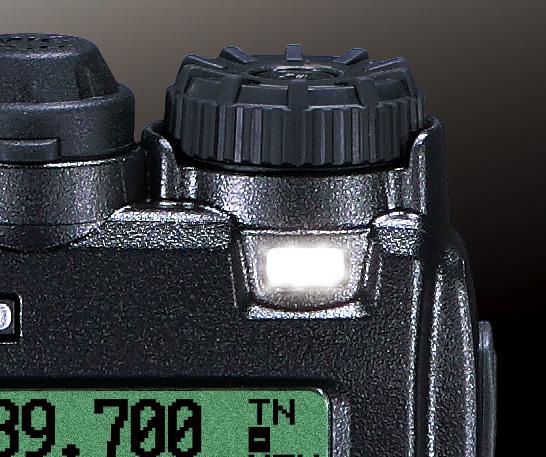 Dioda LED migająca białym światłem w niebezpieczeństwie